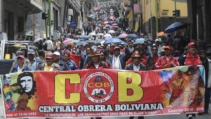 Con imponente movilización la COB rechazó ataques al derecho de huelga