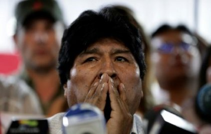 Los golpistas proscriben a Evo Morales